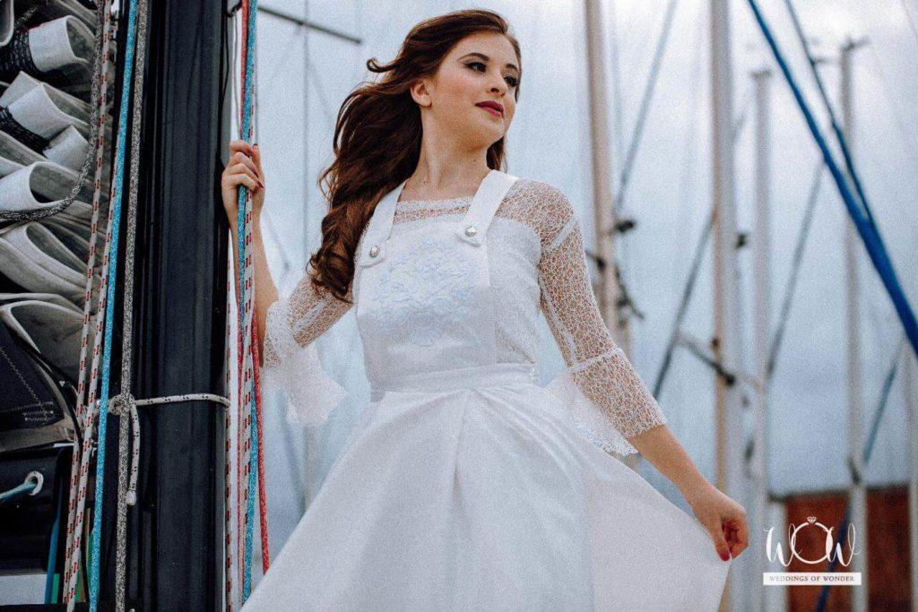 letisztult menyasszonyi ruha